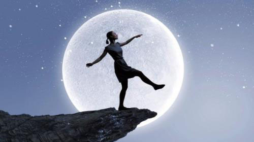 大剧院歌剧电影展映月·美国大都会歌剧院《梦游女》
